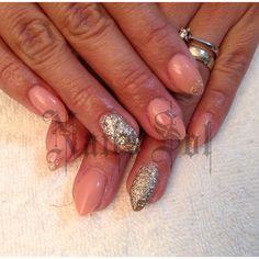 Nude #nails #gold stilleto