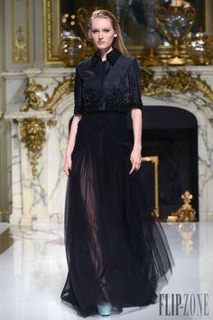 Charlotte Licha - Haute couture - Printemps-été 2014 - http://www.flip-zone.fr/fashion/couture-1/independant-designers/charlotte-licha-4465