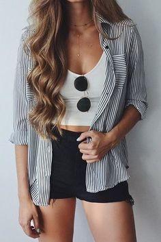 black + white + stripes #rayban #windsorstore