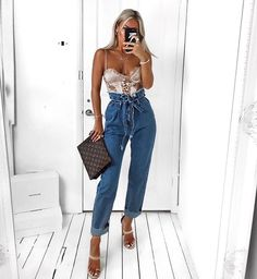 going out outfits with ankle boots Mom Jeans Style, Mom Jeans Outfit, Jeans Outfit Summer, Chic Outfits, Sexy Outfits, Trendy Outfits, Fashion Outfits, Womens Fashion, Moda Instagram