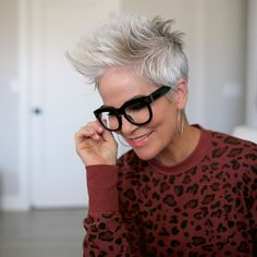 have you heard of PEEPERS? It can be such a bummer when you get to… Hairstyles With Glasses, Face Shape Hairstyles, Short Hairstyles For Thick Hair, Undercut Hairstyles, Funky Hairstyles, Curly Hair Styles, Girl Hairstyles, Fashion Hairstyles, Funky Short Hair