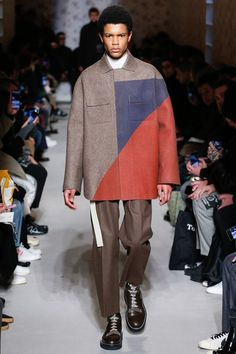 The complete OAMC Fall 2018 Menswear fashion show now on Vogue Runway.