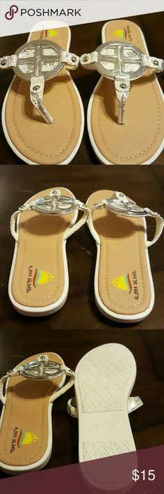 NEW Very New  sandles Nice print soft comfty feel Shoes Sandals