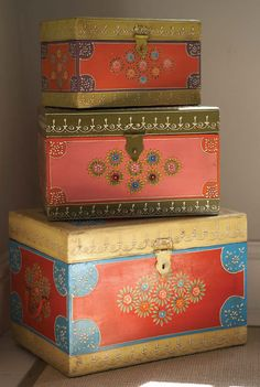 We love these painted wooden boxes from @Mary Lou Quinlan.