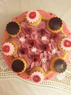 Saint-Honoré Cassis-Vanille | Cyrielle Gourmandise Saints, Cake, Desserts, Partying Hard, Sprouts, Vanilla, Food Porn, Tailgate Desserts, Deserts