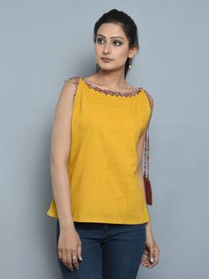 Short Kurti Designs, Kurti Neck Designs, Blouse Designs, Frock Fashion, Fashion Outfits, Lehenga Designs Simple, Kurti With Jeans, Casual Indian Fashion, Homographs