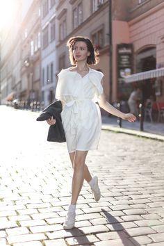 White Lapel Double-breasted Waistcoat with Waist Tie Double Breasted Waistcoat, Ethical Fashion, Womens Fashion, Minimal Classic, Perfect World, I'm Happy, Fashion Labels, Neko, Latest Trends
