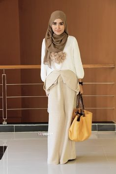 Popularity of Beige Hijab How Do You Wear It? 879eed1d9e12582d6f88ca4381f6bd4e