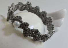 CROCHETED BRACLET WITH PATTERN