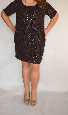 koronka czekoladowa z cekinami Shirt Dress, T Shirt, Dresses, Fashion, Shirtdress, Tee, Gowns, Moda, La Mode