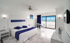Se sitúa en la zona hotelera de Cancún, México, el Hotel Riu Caribe (Todo Incluido 24h) está a la orilla de una playa de aguas turquesas y arena fina. Hotel Riu Caribe – Hotel en Cancun – Hotel en México - RIU Hotels & Resorts