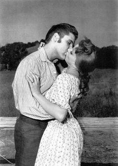 """Debra Paget kissed by Elvis ! in the movie   """"Love Me Tender"""""""