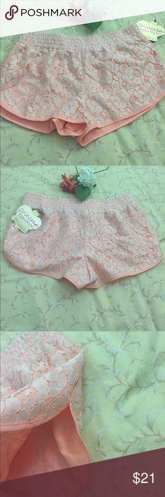 Short Beautiful patterned shorts. 21-20%. $17 Princess Vera Wang Shorts Skorts