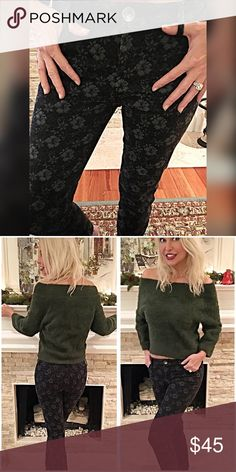 Banana Republic Gorgeous floral stretch jeans! 26 Charcoal and black floral print- stretchy skinny jeans truly gorgeous! Banana Republic Jeans Skinny