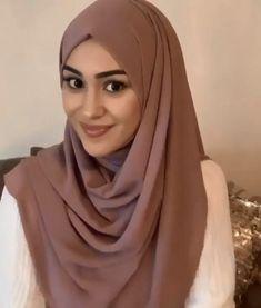 Easy Hijab Tutorial, Pashmina Hijab Tutorial, Hijab Style Tutorial, Easy Hijab Style, Hijab Style Dress, Muslim Fashion, Hijab Fashion, How To Wear Hijab, Cartoon Girl Images