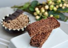 BATOANE DE CEREALE SI CIOCOLATA Desserts, Food, Tailgate Desserts, Deserts, Essen, Postres, Meals, Dessert, Yemek