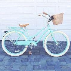 New Ideas Beach Cruiser Bike Bicycles Velo Vintage, Vintage Bicycles, Photo Velo, Beach Cruiser Bikes, Cruiser Bicycle, Retro Bike, Bike Accessories, Bike Design, Bunt