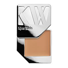 Kjaer Weis Cream Foundation (€64) ❤ liked on Polyvore featuring beauty products, makeup, face makeup, foundation, beauty, hydrating foundation and moisturizing foundation
