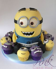 Dave the Minion! - by RoseAtThePinkCakeBox @ CakesDecor.com - cake decorating website