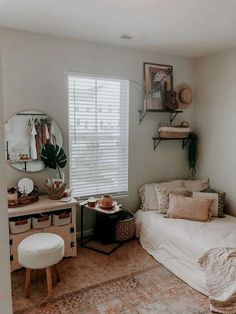 80 fantastic college dorm room decor ideas you can copy 78 Cute Bedroom Ideas, Cute Room Decor, Room Ideas Bedroom, Small Room Bedroom, Bedroom Inspo, Bedroom Decor, Aesthetic Bedrooms, Aesthetic Room Decor, Pretty Room