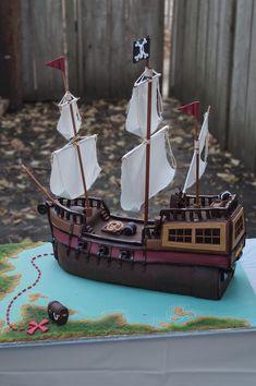 https://flic.kr/p/8TMhrD | Pirate Ship Cake Profile View