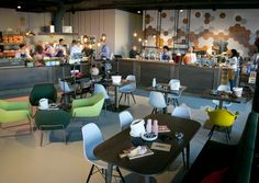 Im Salzburger Europark startete Haubenkoch Didi Maier seinen zweiten Gastronomiebetrieb: The Bakery, eine Mischung aus Bäckerei, Café und Lounge.