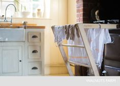 Walnuts Farm – Nick & Bella – the rustic shoot location house Country Living Uk, Cottage Living, Cottage Homes, Off White Kitchens, Cool Kitchens, English Country Kitchens, White Cupboards, Home On The Range, Cottage Interiors