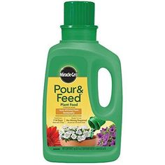 Miracle-Gro 1006002 Pour and Feed Liquid Plant Food and Fertilizer (6 Pack) 32 oz