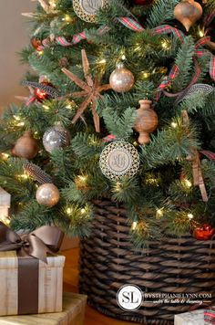 Christmas Tree in a Basket - DIY Heavyweight Base for an artificial Christmas Tree