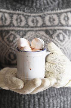 hot cocoa for a winter's day. The perfect marshmallow to cocoa ratio! I Love Winter, Winter Day, Winter Season, Tis The Season, Winter Christmas, Christmas Time, Winter Cabin, Cozy Winter, Cocoa