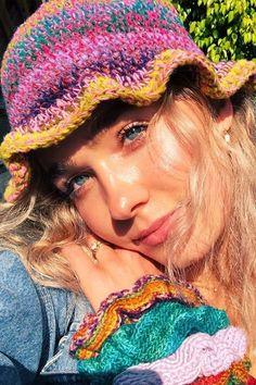 Diy Crochet, Crochet Crafts, Crochet Projects, Crochet Top, Haley Lu Richardson, Funky Hats, Outfits With Hats, Crochet Fashion, Crochet Accessories