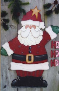 Wood Pattern ~ Patterns Wood, Quilting, Knitting..... Super cute Santa face.... May come in handy...