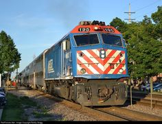 RailPictures.Net Photo: METX 195 Metra EMD F40PHM-2 at Downers Grove, Illinois by Robby Gragg