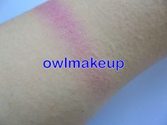 Swatch del colorete (todo mezclado) Blushing heart de I Heart Makeup.