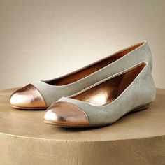 can't wait for my new Jennifer Lopez flats to come in...