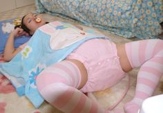 daddy75:  Cutissime ! adult-baby girl abdl diaper