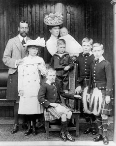 The six children of King George V and Queen Mary: Albert, Duke of York (later George VI), Mary, Princess Royal, Countess of Harewood; Queen Victoria Family, Victoria Prince, Victoria And Albert, Queen Mary, Princess Mary, Prince And Princess, Royal Prince, Baby Prince, Belle Epoque