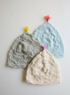 Adorable DIY for little newborn hats. A laceweight cotton is perfect for warmer months.