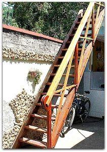 Detalle del patio. Cuba, Patio Interior, Prado, Trinidad, Ladder, Single Wide, Live, Cities, Trendy Tree