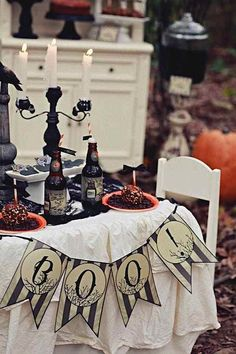 Haunted Forest Halloween party-love the banner Retro Halloween, Childrens Halloween Party, Table Halloween, Halloween Banner, Halloween Party Decor, Halloween House, Halloween Outfits, Spooky Halloween, Holidays Halloween