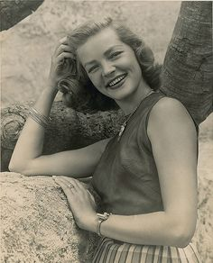 Lauren Bacall (1924-2014)- An amazing actress who will be missed.