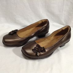 Womans BOC Born Shoes Sz. 11M Brown Leather Comfortable Tread Career Casual A3