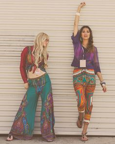 Shop from the best fashion sites and get inspiration from the latest hippie pants. Hippie Style, Hippie Gypsy, Gypsy Style, Hippie Chic, My Style, Hippie Life, Bohemian Girls, Bohemian Mode, Bohemian Style
