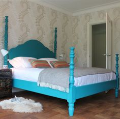 Our Kingston in a bright teal blue! We can now make our beds in any RAL colour. You name it!  #bed #bedding #wooden #luxury #beds #fourposter #poster #england #yorkshire #turnpost