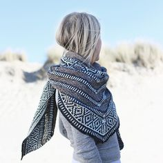 Moon pattern by Natasja Hornby, - Stola Stricken Knit Cowl, Knitted Shawls, Crochet Shawl, Knit Crochet, Crochet Vests, Crochet Cape, Crochet Edgings, Crochet Motif, Fair Isle Knitting