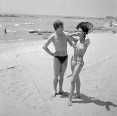 Dame Margot Fonteyn and Rudolf Nureyev at a beach, July 28, 1964