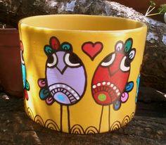 ~MARIANA ALVAREZ~ Painted Clay Pots, Painted Flower Pots, Hand Painted, Flower Pot Crafts, Clay Pot Crafts, Ceramic Pots, Terracotta Pots, Decorated Flower Pots, Pottery Painting Designs