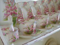 Royal Albert Apple Blossom Time