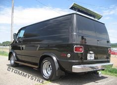 Custom 70's Dodge Van by tommystax