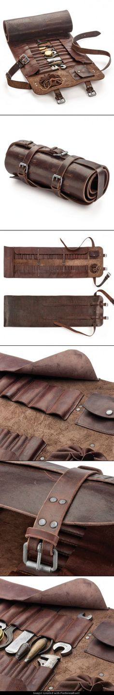 The world& best tool roll comes from Manufactum- Die weltbeste Werkzeugrolle kommt von Manufactum I See This As A Steampunk Explorer Kit In The Making …. Crea Cuir, Tool Roll, Tool Storage, Makeup Storage, Storage Ideas, Leather Projects, Leather Tooling, Leather Roll, Leather Totes